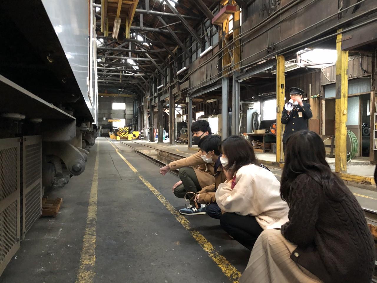 【団体・30名まで貸し切り】人気者のたま駅長代理と記念撮影もできる!和歌山電鐵車両点検場見学